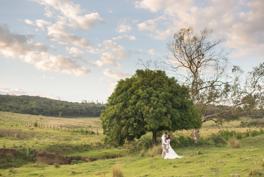 Joyce Kitamura e Victor em casamento na Fazenda Paraíso - Noiva Ansiosa