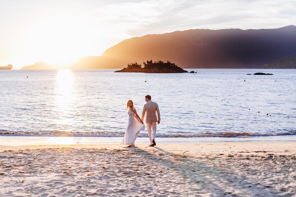Casar na Praia 10 razoes para casar em Ilhabela