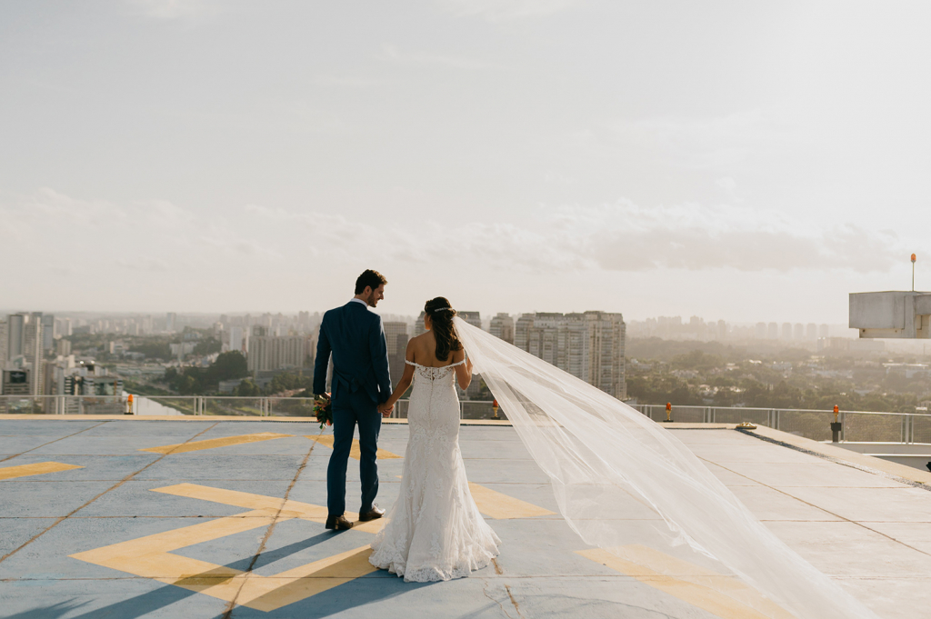Samila e Gabriel | Casamento urbano e romântico no Trio 19