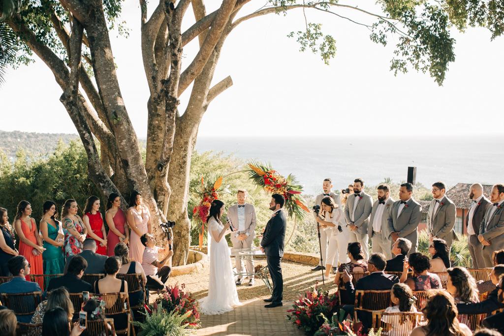 Manu e Cassio Casamento com vista para o mar em Ilhabela