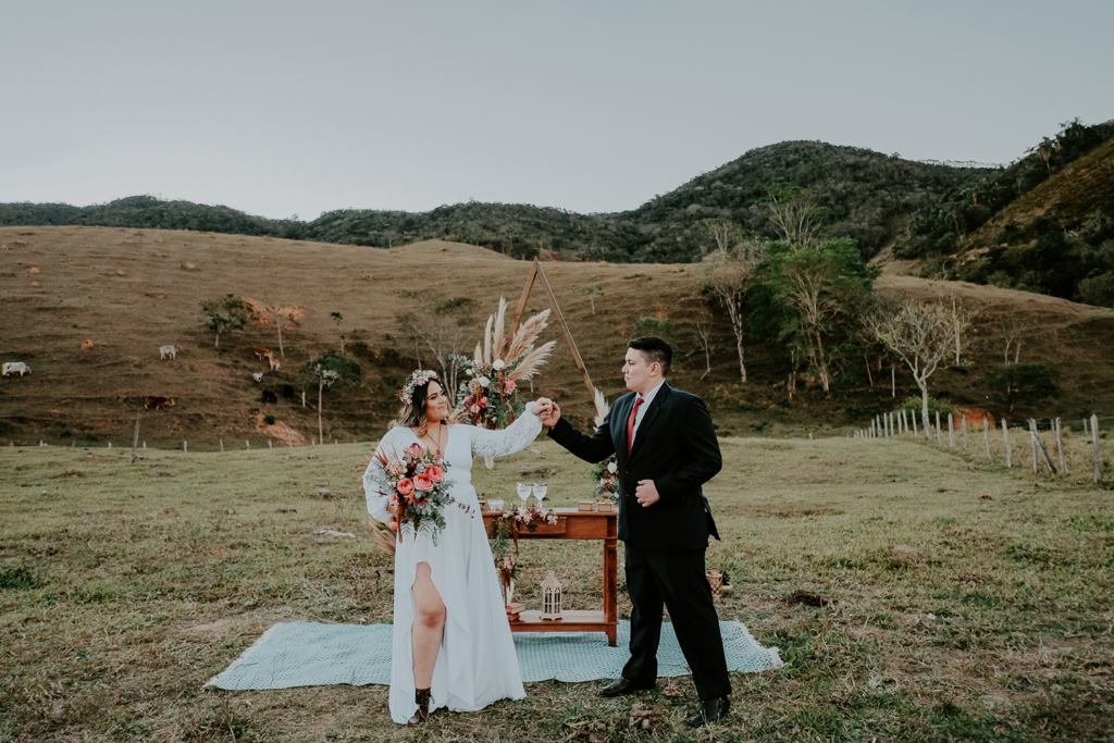 Julia e Afonso | Celebrando em par: casamento na fazenda