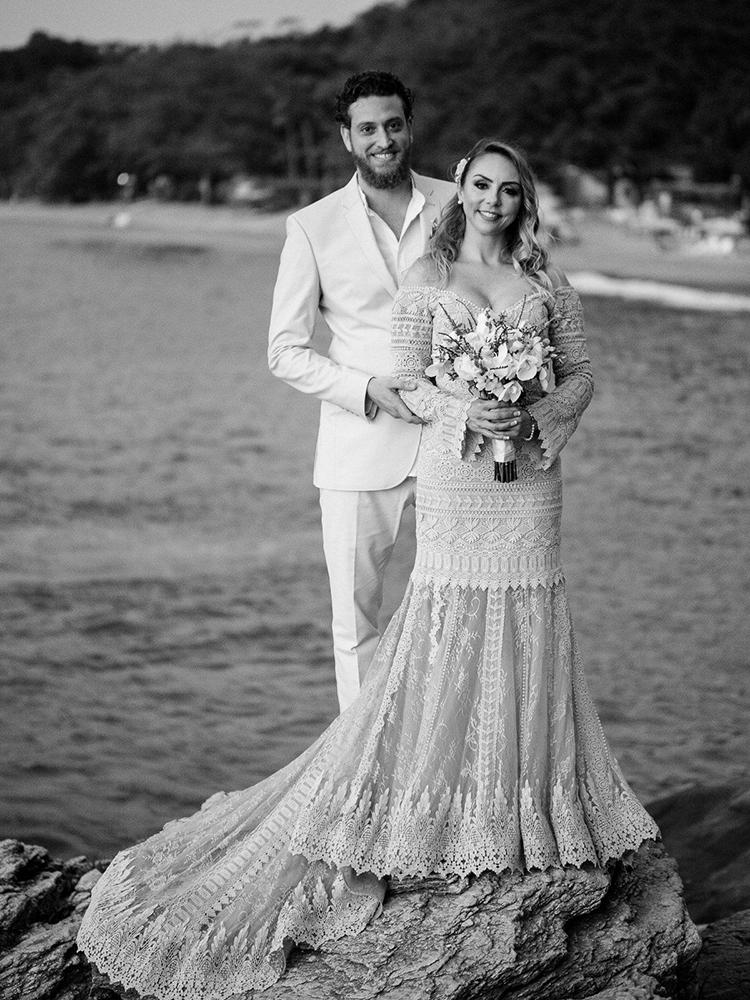 Noelle e Rodrigo | Casamento pé na areia em Ilhabela