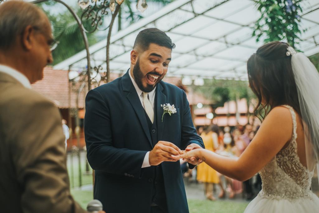 Julia e Victor | Fé e amor: casamento no Espaço Ravena Garden