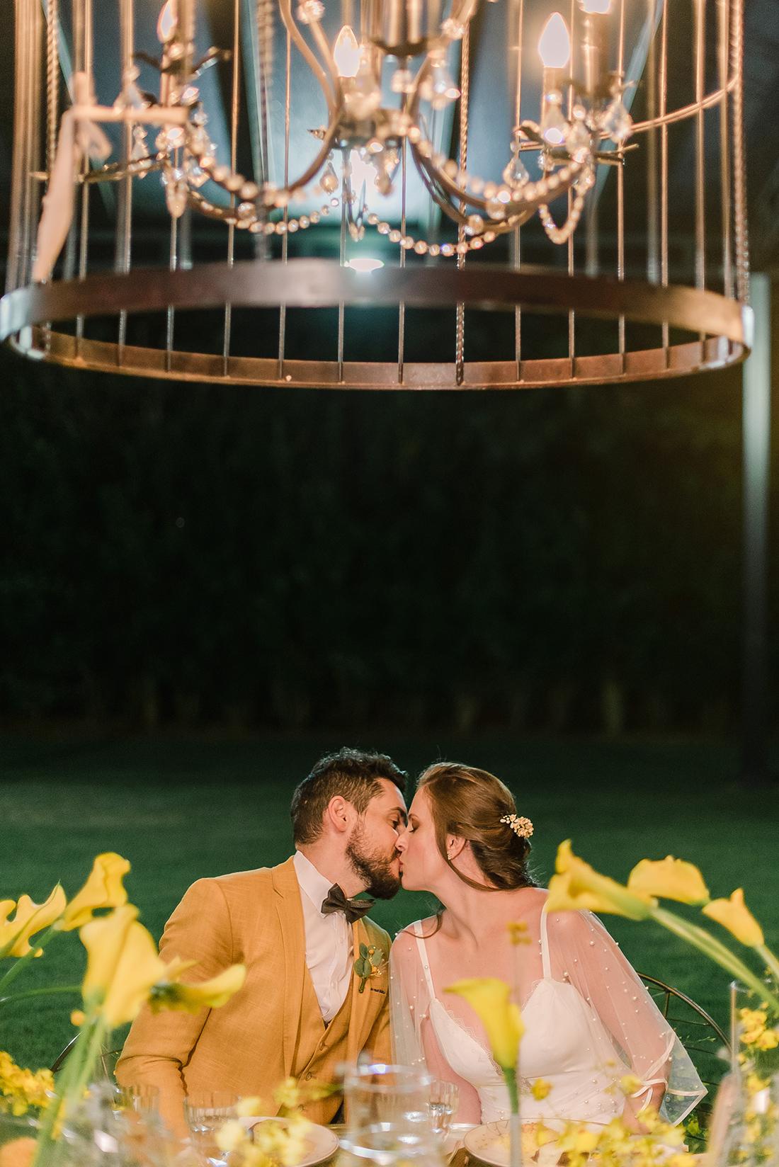Editorial Yellow & Gray Noiva Ansiosa - Pantone 2021 - Gastronomia
