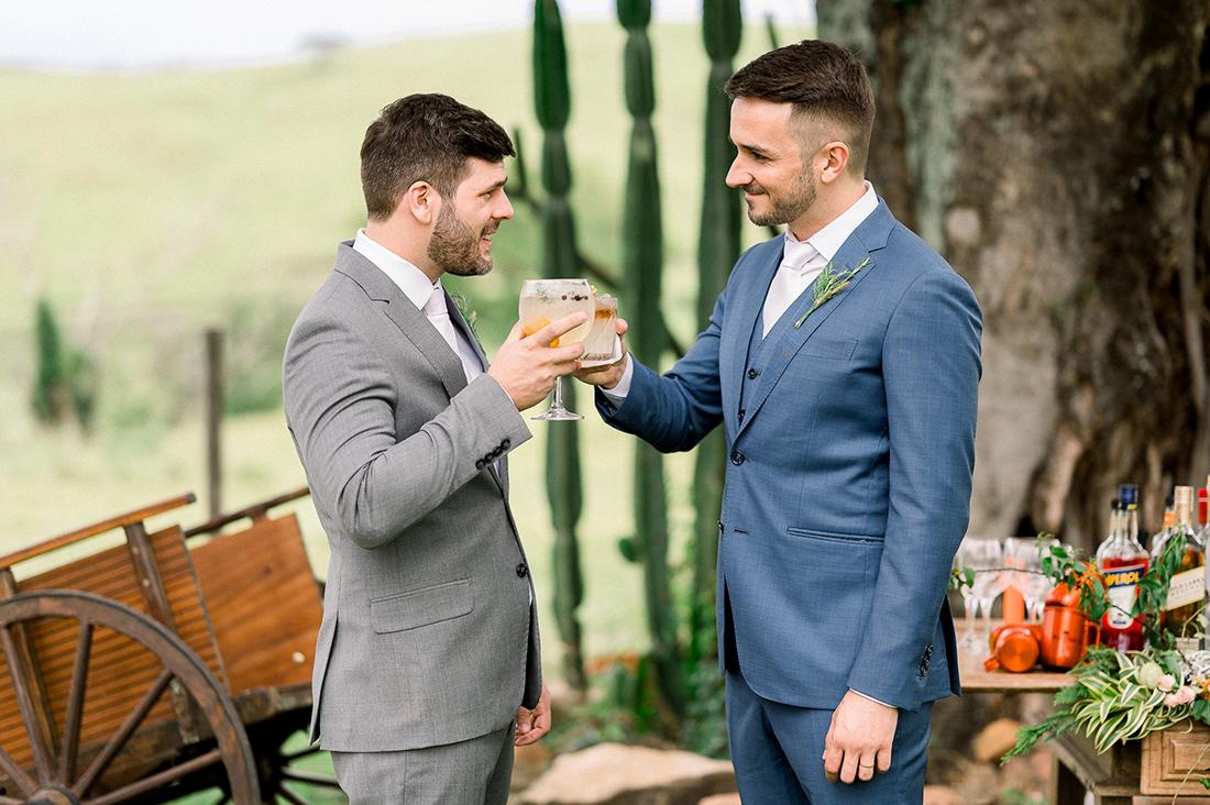 Eles - Casamento a dois na Fazenda Embauva - Bar