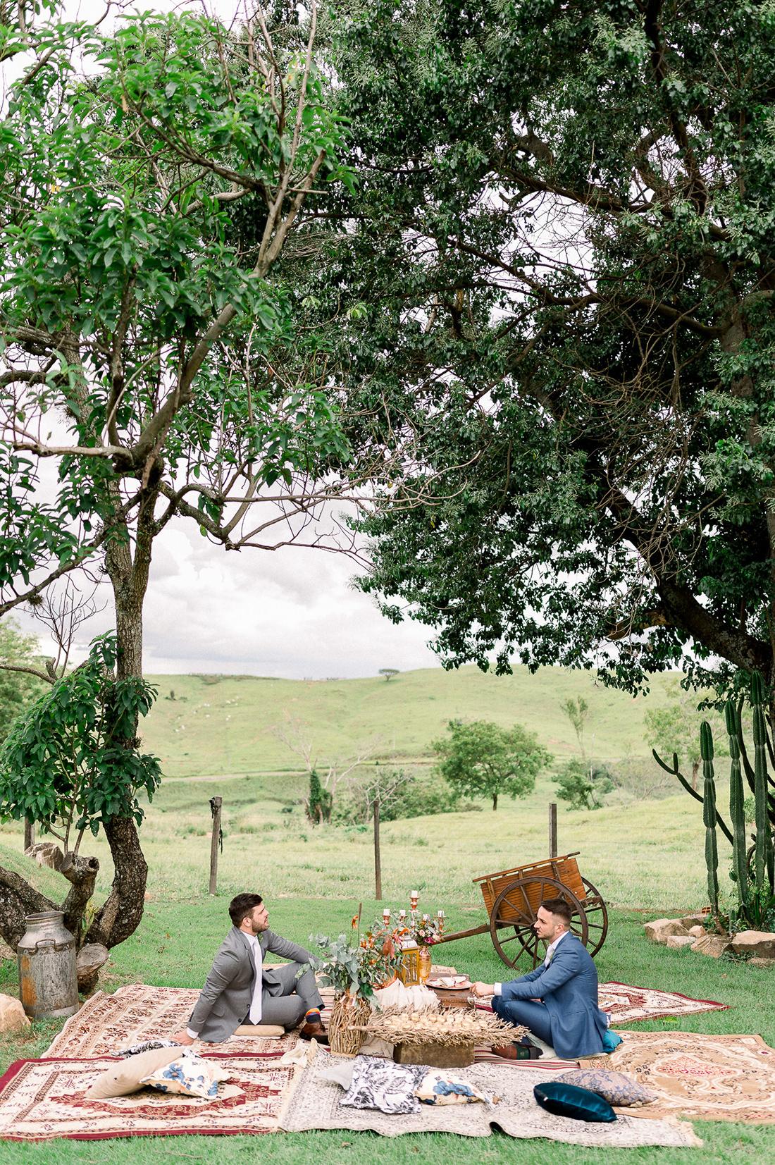 Eles - Casamento a dois na Fazenda Embauva - Decoração por Emmanuel Nogueira