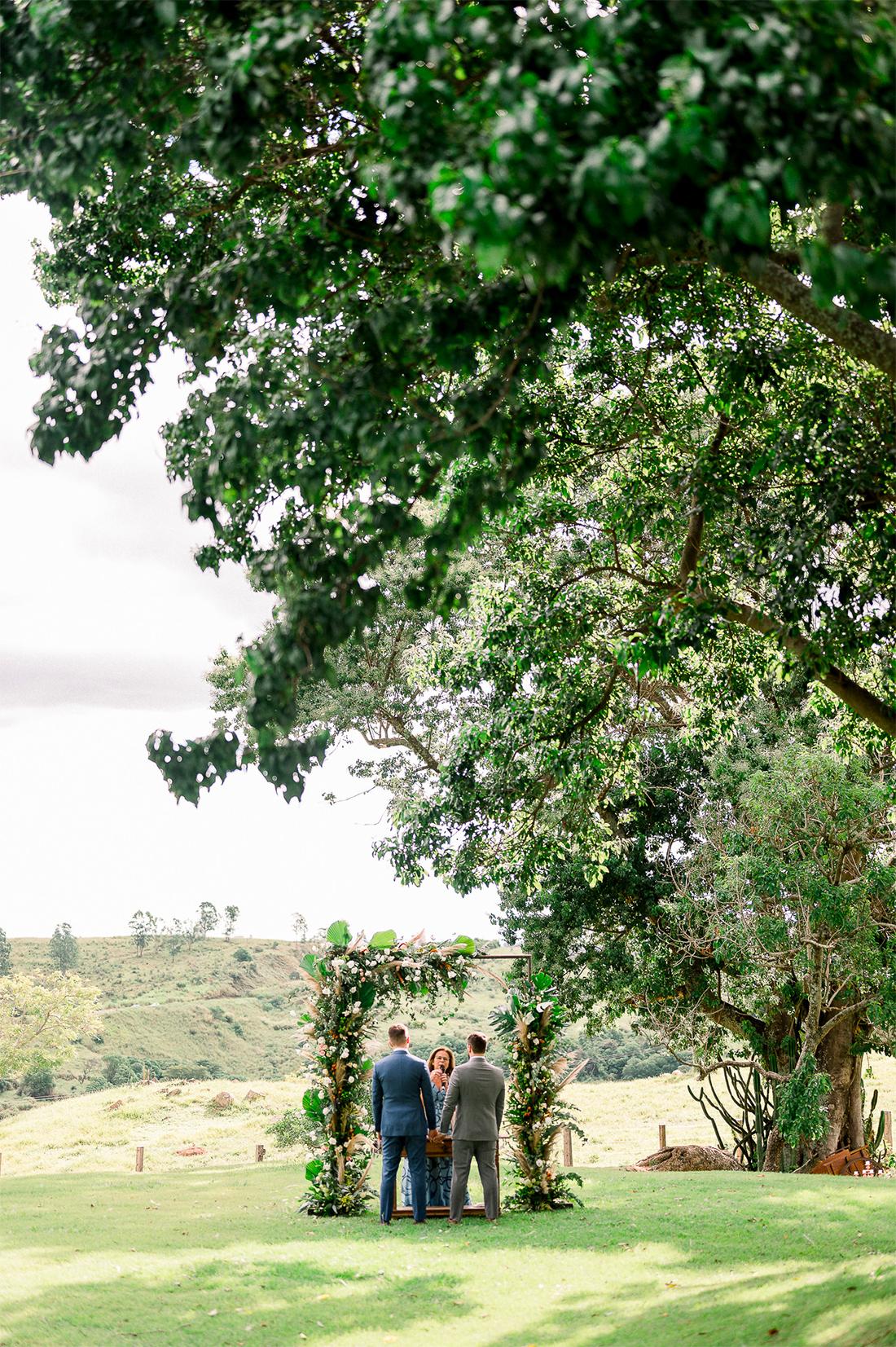 Eles - Casamento na Fazenda Embauva