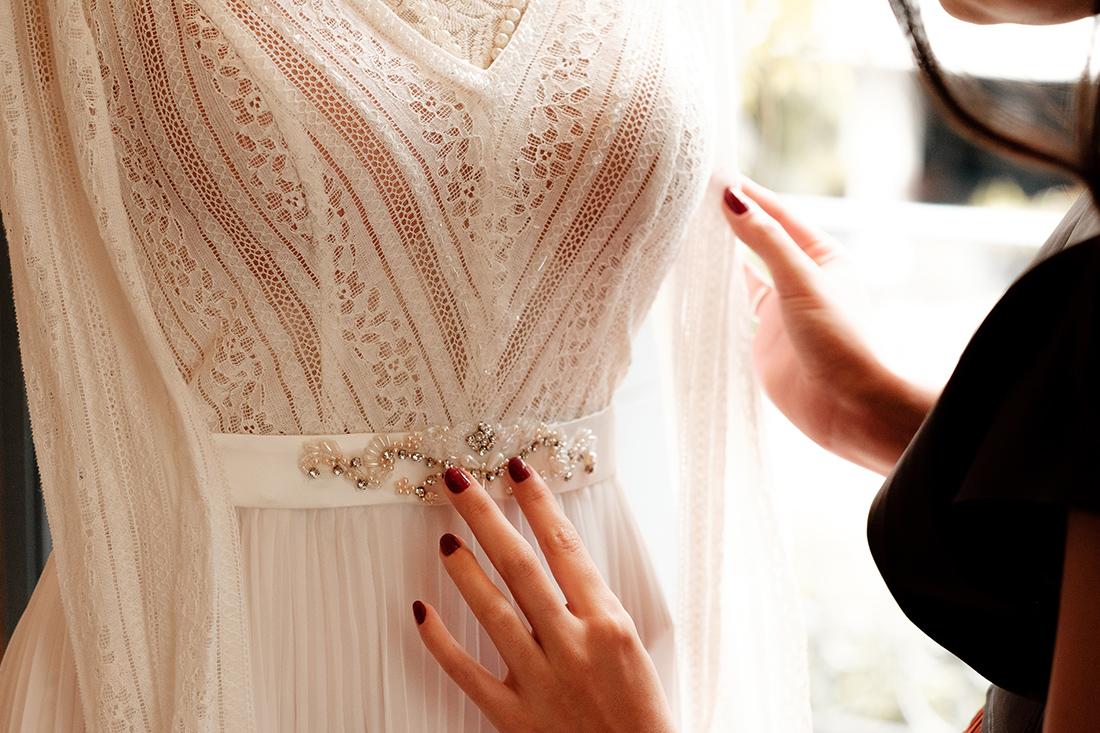 Noiva de Verdade - Noiva Ansiosa na Casa Quintal - Vestido por Helen Salles