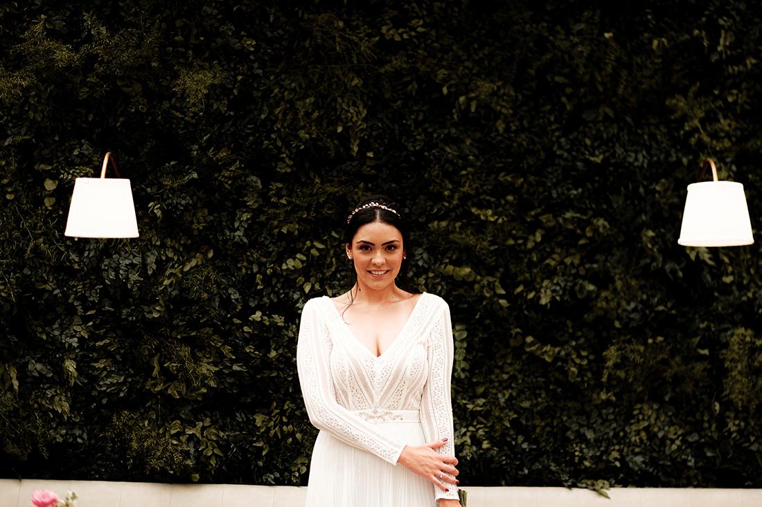 Noiva de Verdade - Noiva Ansiosa na Casa Quintal - por Kuguio
