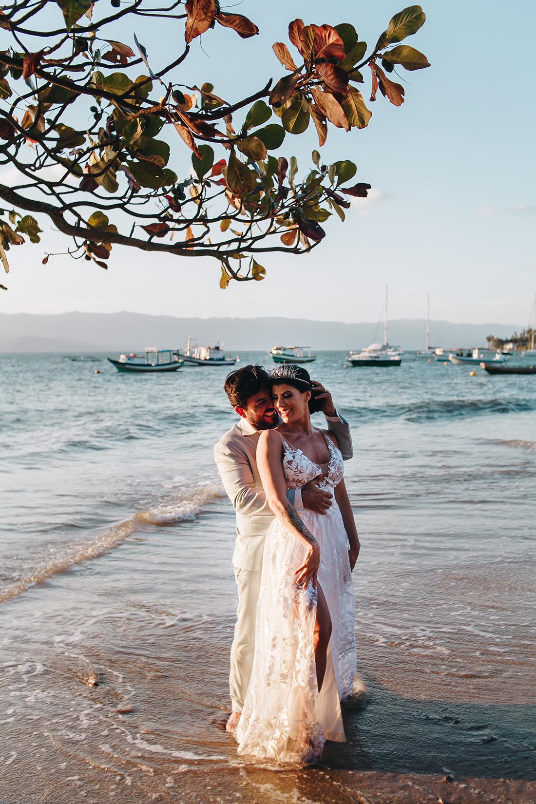 Fabi e Paulo | Casamento com vista para o mar, por Sereiamor