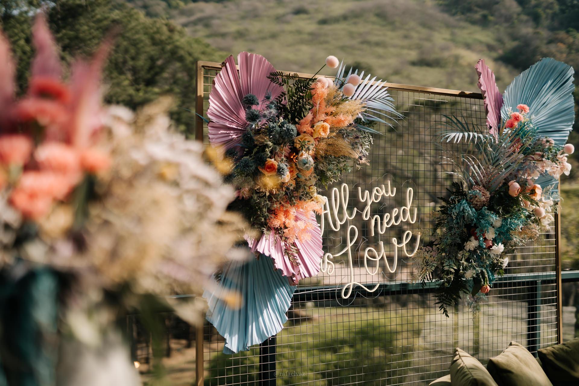 Adriana e Guilherme | Casamento com paleta candy color, por Natasha Bleier